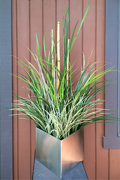 Mixed Grass In Brushed Silver