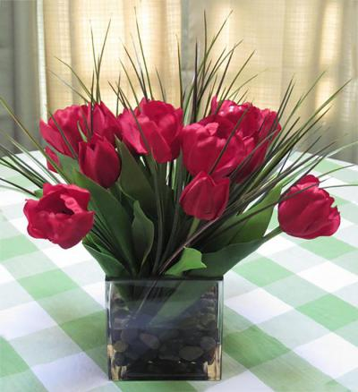 Tulips in Large Cube Red